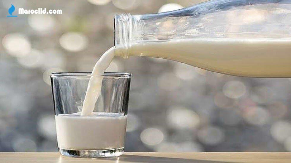 لماذا الحليب لونه ابيض
